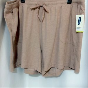 NWT OLD NAVY ACTIVE GO-DRY WOMEN'S SHORTS XL